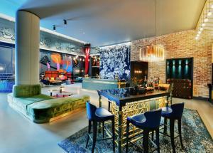 Hyatt Andaz Liverpool Street Lounge
